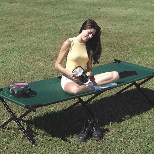 언제 어디서나 접었다 폈다가 가능한 접이식 캠핑 낚시 용 간이 침대 1